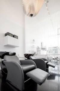 Ready For a Salon Makeover? Know Your Decor Options