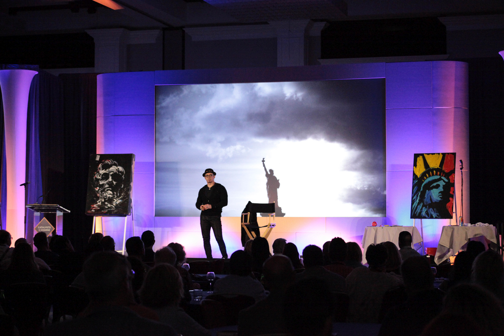 <p>Erik Wahl on stage at the 2019 International SalonSpa Business Network conference.&nbsp;</p>
