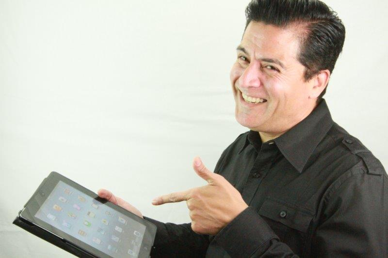 <p>Freddie B&rsquo;s Freddie Berumen relies on Shortcuts at his cozy salon in Southern California.</p>
