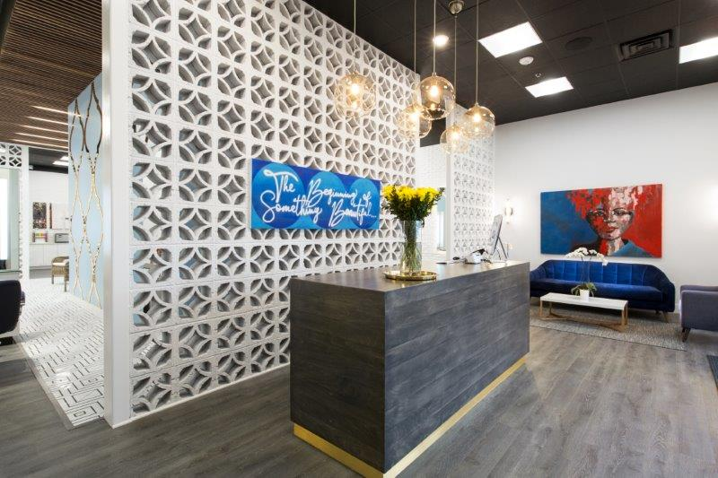 Globe Salon Welcomes Guests to an Upscale Desert Oasis