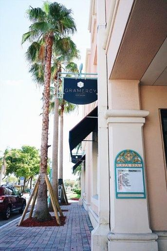 An exterior look at Gramercy Salon in Boca Raton, FL. 