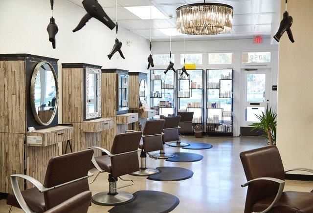 <p>Not only are Freestyle Systems aesthetically pleasing to salon design, they help&nbsp;ease back, neck and arm strain from the weight of a blow dryer.</p>