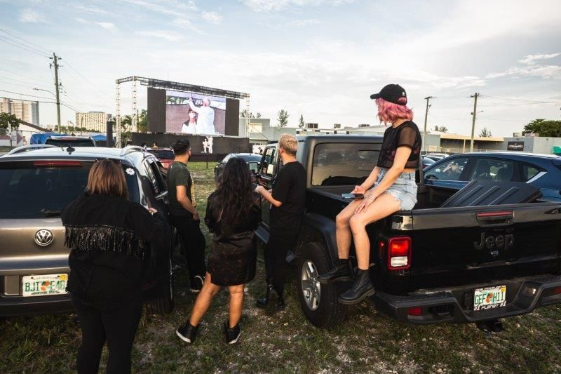 <p>Beauty pros takes in the live education, before the movie <em>Clueless</em>&nbsp;plays.&nbsp;</p>